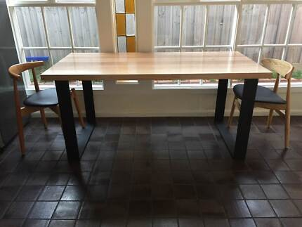 MONARCH DINING TABLE SQUARE CORNERED METAL LEGS Brighton Bayside Area Preview