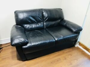 Excellent Condition Leather Loveseat (2 seater)