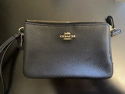 Coach Leather Purse/Wristlet Black- Some discolouration on Logo, see pictures