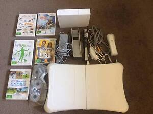 *Wii Console* - Incl. Balance Board, Remote, Numchuk and 5 games Albert Park Port Phillip Preview