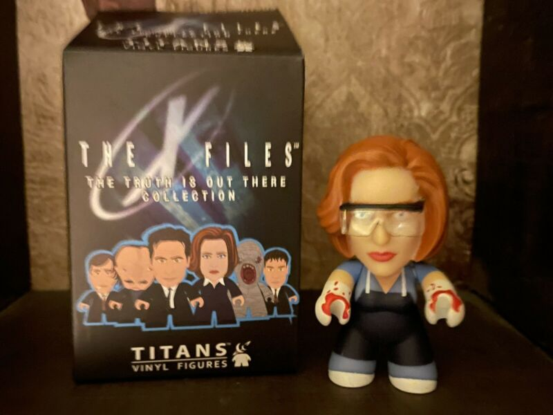 X-FILES TITANS FBI Agent Scully Autopsy Vinyl Chase Figure Rare