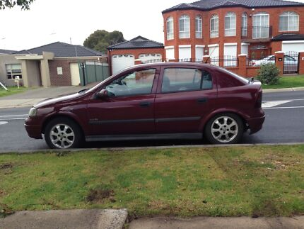 Holden Astra 2003 wrecking or complete car burgundy colour Tarneit Wyndham Area Preview