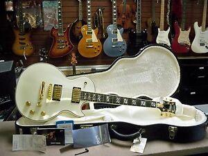 2006 Gibson Les Paul Supreme Electric Guitar White LP
