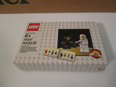 Brand New Lego Retro White Astronaut Item 6079531 Sealed Set 5002812 MINT Cond.