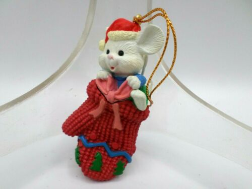 Lustre Fame 1992 Mouse In Mitten Christmas Ornament