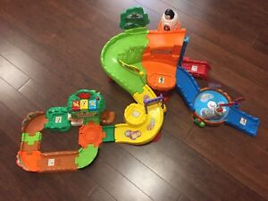 Vtech Activity Zoo (with animals)
