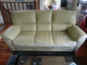 3 SEATER SOFT LEATHER LOUNGE Erina Gosford Area Preview