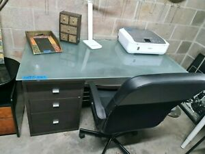 WORKING FROM HOME? BIG DESK WITH DRAWERS