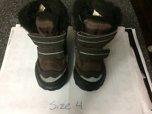 Size 4 Joe Fresh Infant/Toddler Winter Boots