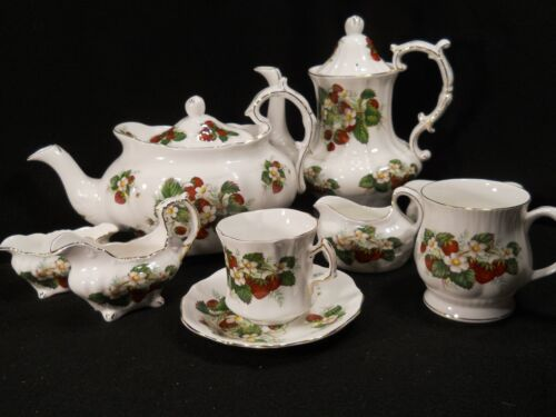 Hammersley Strawberry Ripe Teapot/Coffee Pot/Cups Saucers/Cream Sugar/Mugs