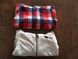 Lot of 2 Carters Fleece Hoodies (24m)