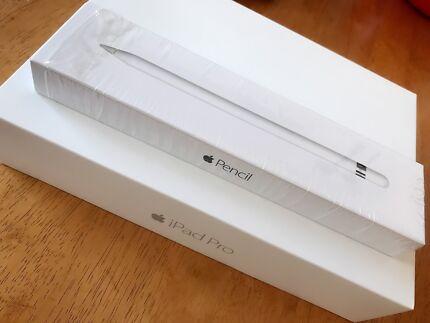 iPad Pro 9.7-inch 256 GB(wifi) with pencil & keyboard case $1080