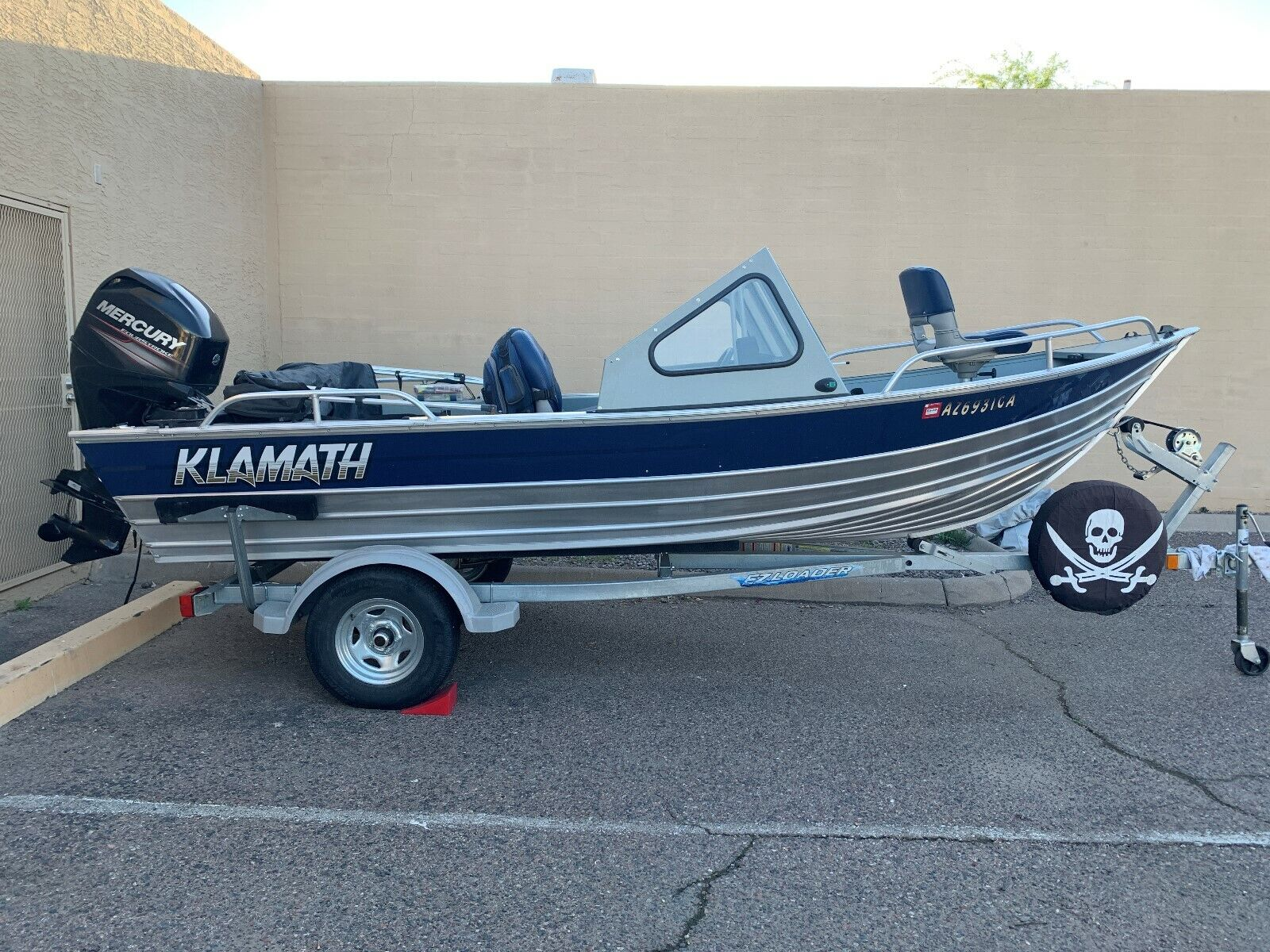 2011 Klamath 16 EXW Aluminum Windshield Fishing Boat