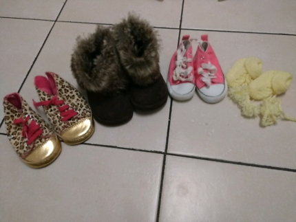 Baby and toddler shoes/booties/slippers