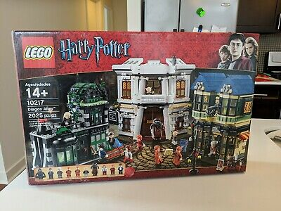 LEGO 10217 Harry Potter Diagon Alley Complete With Box, Instructions Minifigs