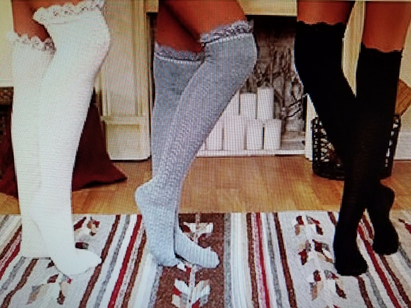 3 Pair Ladies Over-The-Knee Socks With Lace Trim Cream Gray