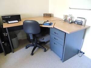 Corner computer desk Morwell Latrobe Valley Preview