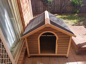 Dog kennel house Yallambie Banyule Area Preview
