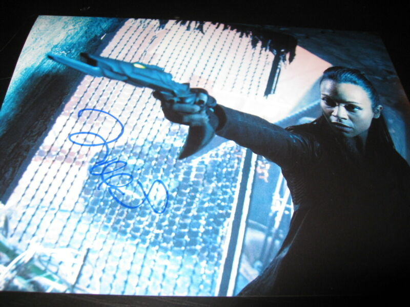 ZOE SALDANA SIGNED AUTOGRAPH 8x10 PHOTO STAR TREK INTO THE DARKNESS PROMO COA K