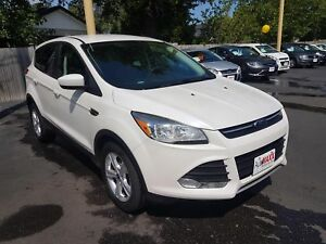 2015 FORD ESCAPE SE- REAR VIEW CAMERA, HEATED FRONT SEATS, SATEL