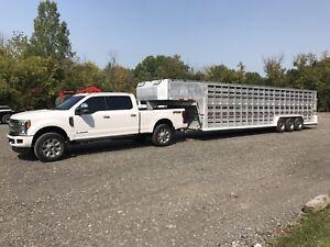 Barrett stock trailer full aluminium 33pieds de plancher