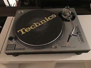 Technics SL 1200 MK2 with Ortofon  Concord Nightclub headshell Lake Cathie Port Macquarie City Preview