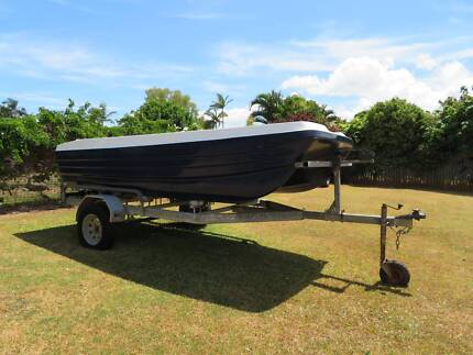 3.8m/13ft TWIN HULL CAT BOAT & Trailer - Great Condition