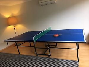 Foldable tennis table with net and free bats Willetton Canning Area Preview