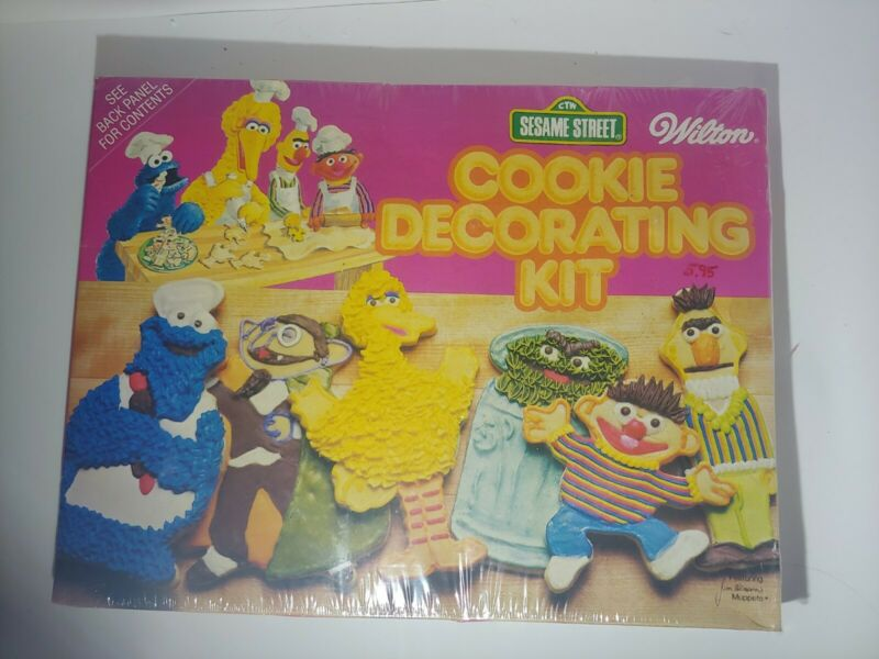 1977 Wilton SESAME STREET Cookie Cutter Decorating Kit, Jim Henson