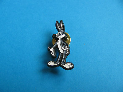 BUGS BUNNY, Loony Tunes Character pin badge. © Warner Bros. Unused. Sedesma