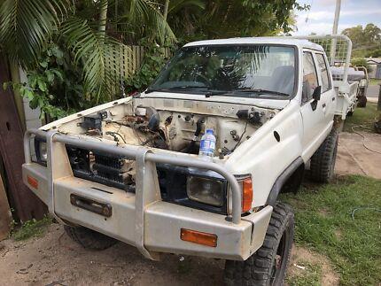 Wrecking Hilux LN65 dualcab Ute 1988