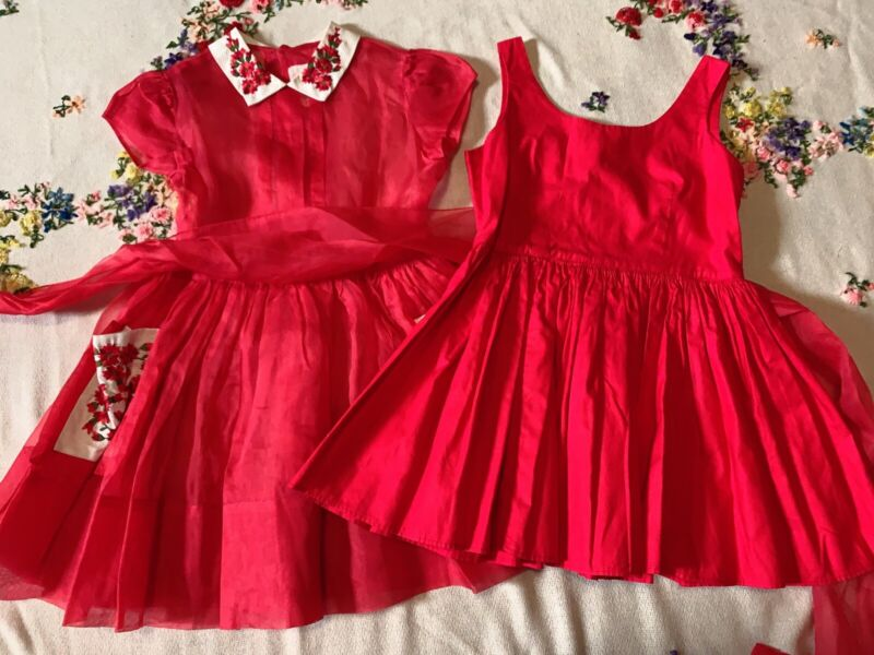Vintage girls flowers embroidered 2 pc red dress Size 5