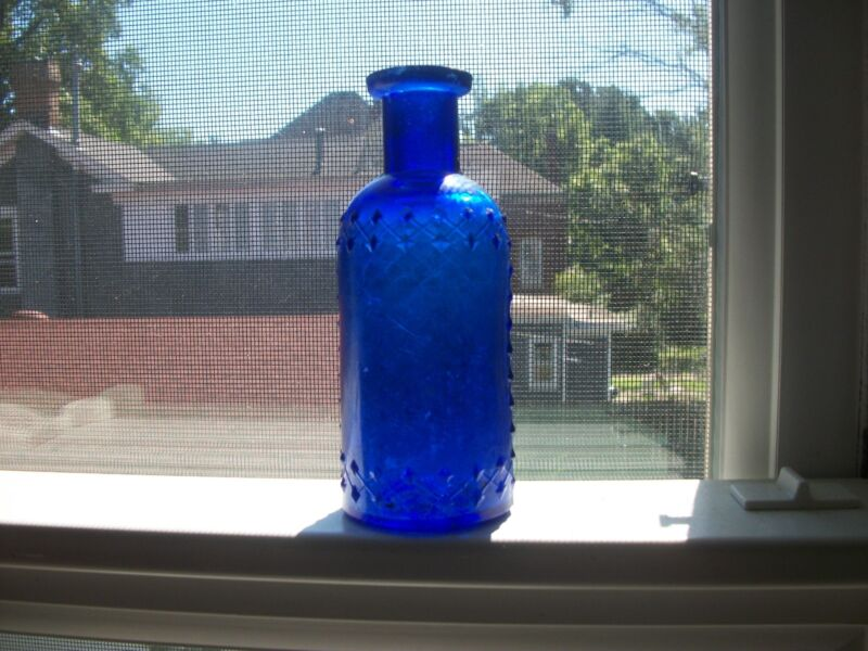 COBALT BLUE HAND BLOWN LATTICE POISON W.T. CO. 4.5 INCHES TALL