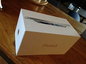 I phone 5 32gb WHITE (UNLOCKED) Westminster Stirling Area Preview
