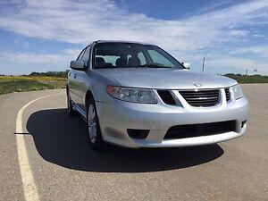"""""""Saabaru"""" Saab 92x All-Wheel-Drive Auto"""