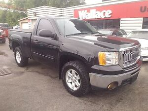 2013 GMC Sierra 1500 SLE 4WD Low KMS Tonneau Cover