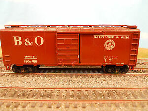 HO-SCALE-KAR-LINE-BALTIMORE-OHIO-B-O-466379-40-BOX-CAR-RTR
