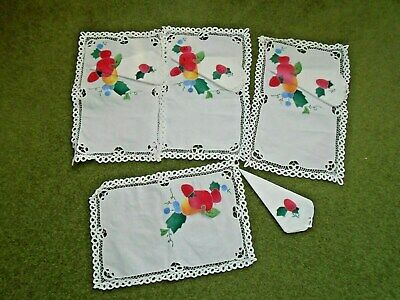 VINTAGE  FOUR PLACE AFTERNOON TEA SETTING / TRAY CLOTH