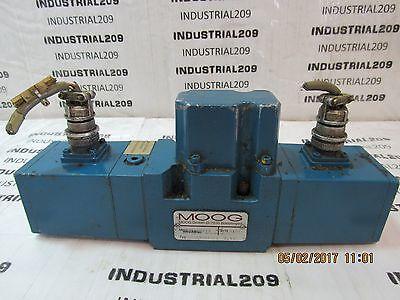 Moog D651-7413 Hydraulic Servo Valve Used
