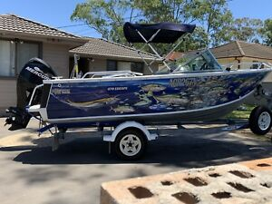 2011 QUINTREX 470 ESCAPE & 60HP MERCURY 4 STROKE