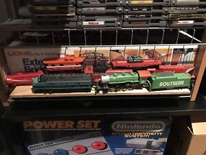 Ho scale trains .... nice collection vintage