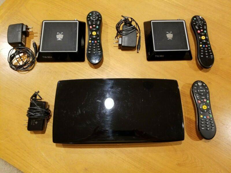 TiVo Roamio OTA TCD846510 w/ 2 Mini Boxes TCDA93000