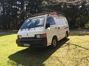 Great Mitsubishi Express ready to go! Brisbane City Brisbane North West Preview