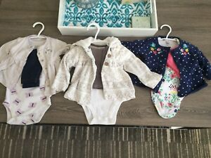Brand name 6-9 month outfits!!