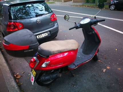 SYM Classic 125cc 2009 28,000 Km (with helmet) North Sydney North Sydney Area Preview