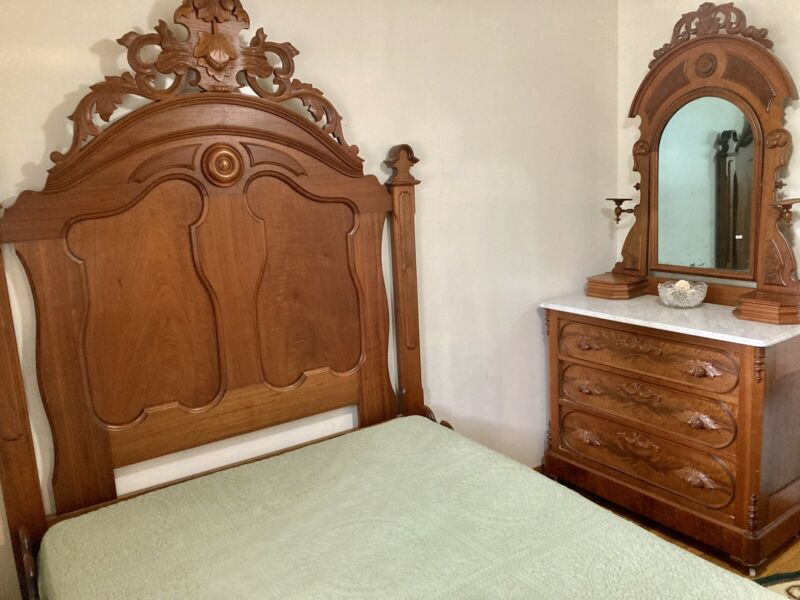 1870s Walnut Victorian Bedroom Set With Gorgeous Full Bed And Dresser Exc Cond