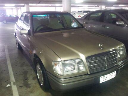 Mercedes Benz Sadan 1994. Southport Gold Coast City Preview