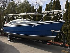 2003 26m MacGregor Sailboat/trailer - LOADED in mint condition