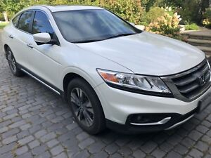 Honda Crosstour with Navi fully loaded
