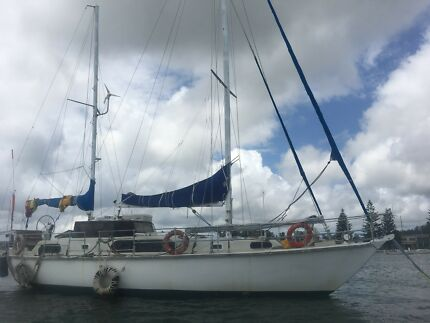 Roberts 44 Offshore world cruiser yacht Nelson Bay with aircon